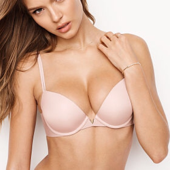 03ee576ea8240 Victoria s Secret Sexy Illusions Plunge Push Up. M 5b0b15582ae12ffec785746e